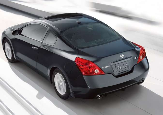 Nissan Altima Coupe #7972398