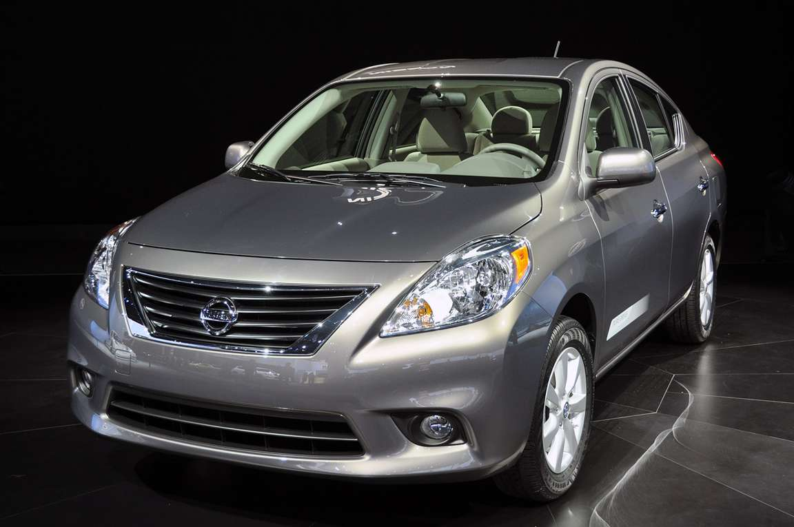 Nissan Versa 9776399