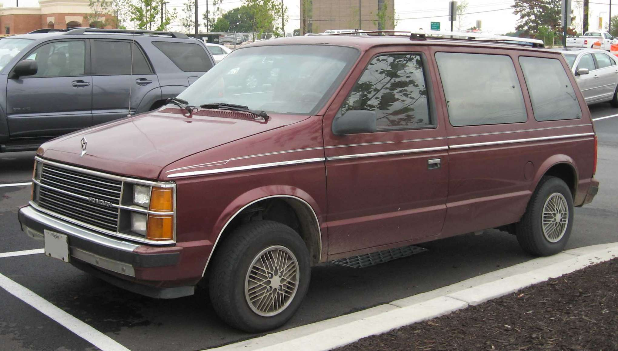 Plymouth Voyager #9927675
