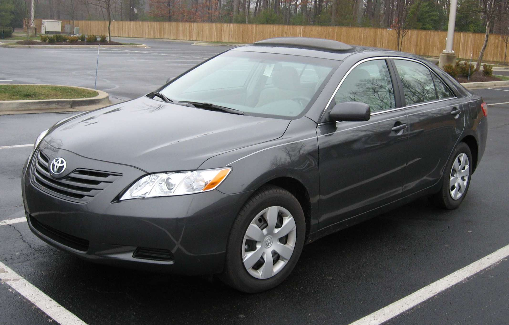 Toyota Camry LE #9580687