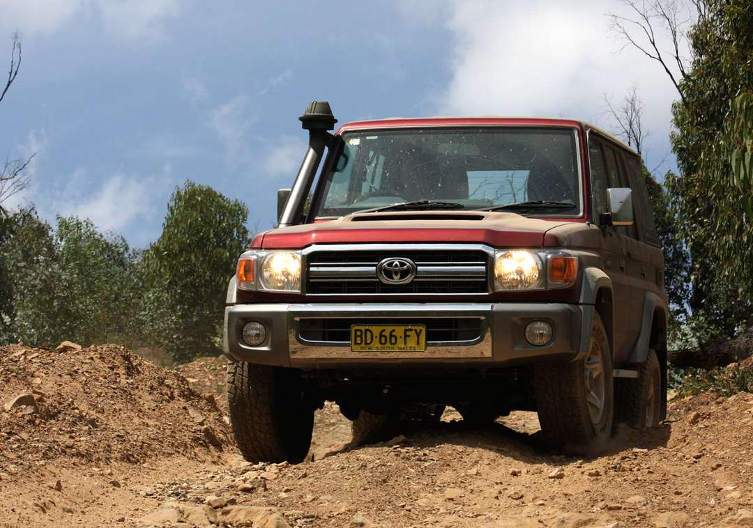 Toyota Land Cruiser 70 #9485409