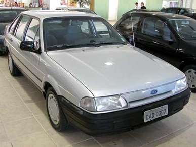 Ford Versailles #8809379