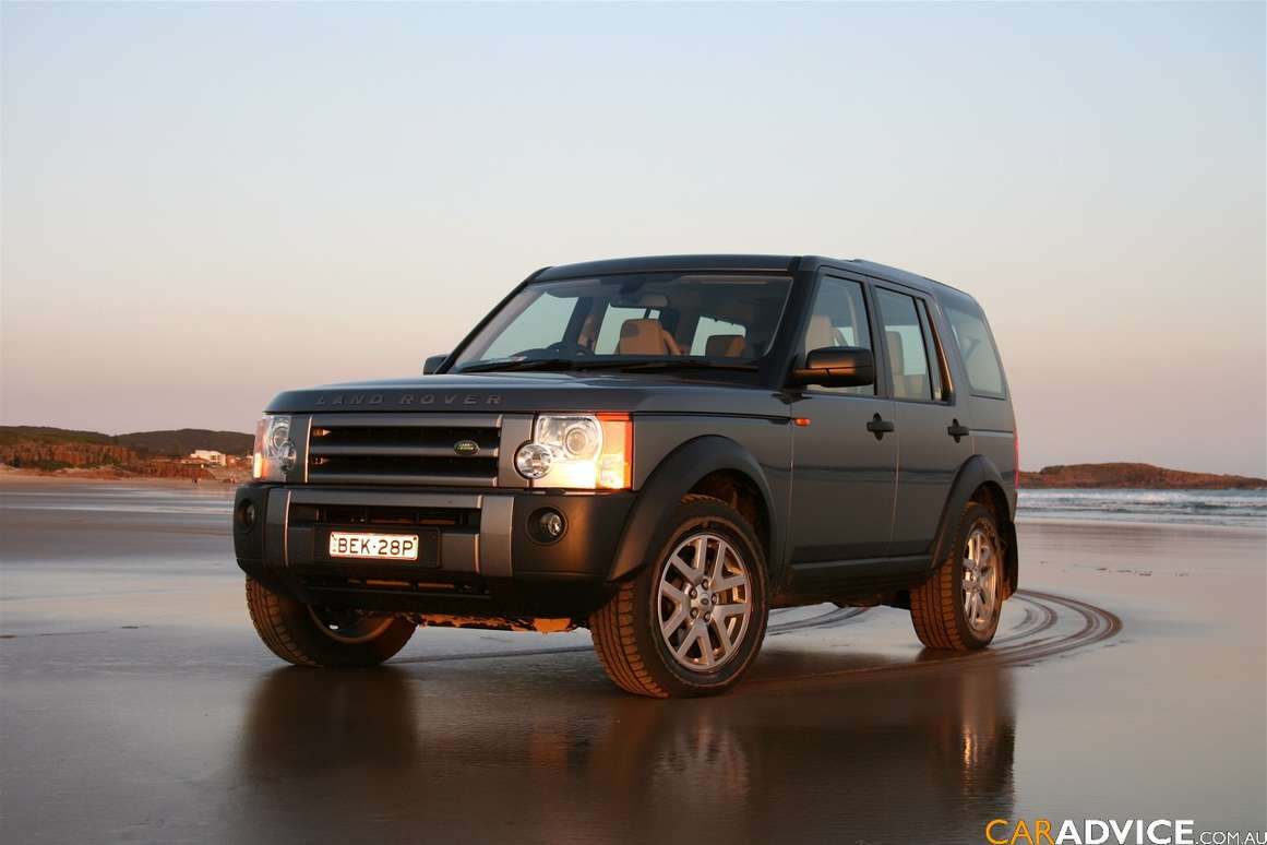 Land-Rover Discovery 3 #7256526