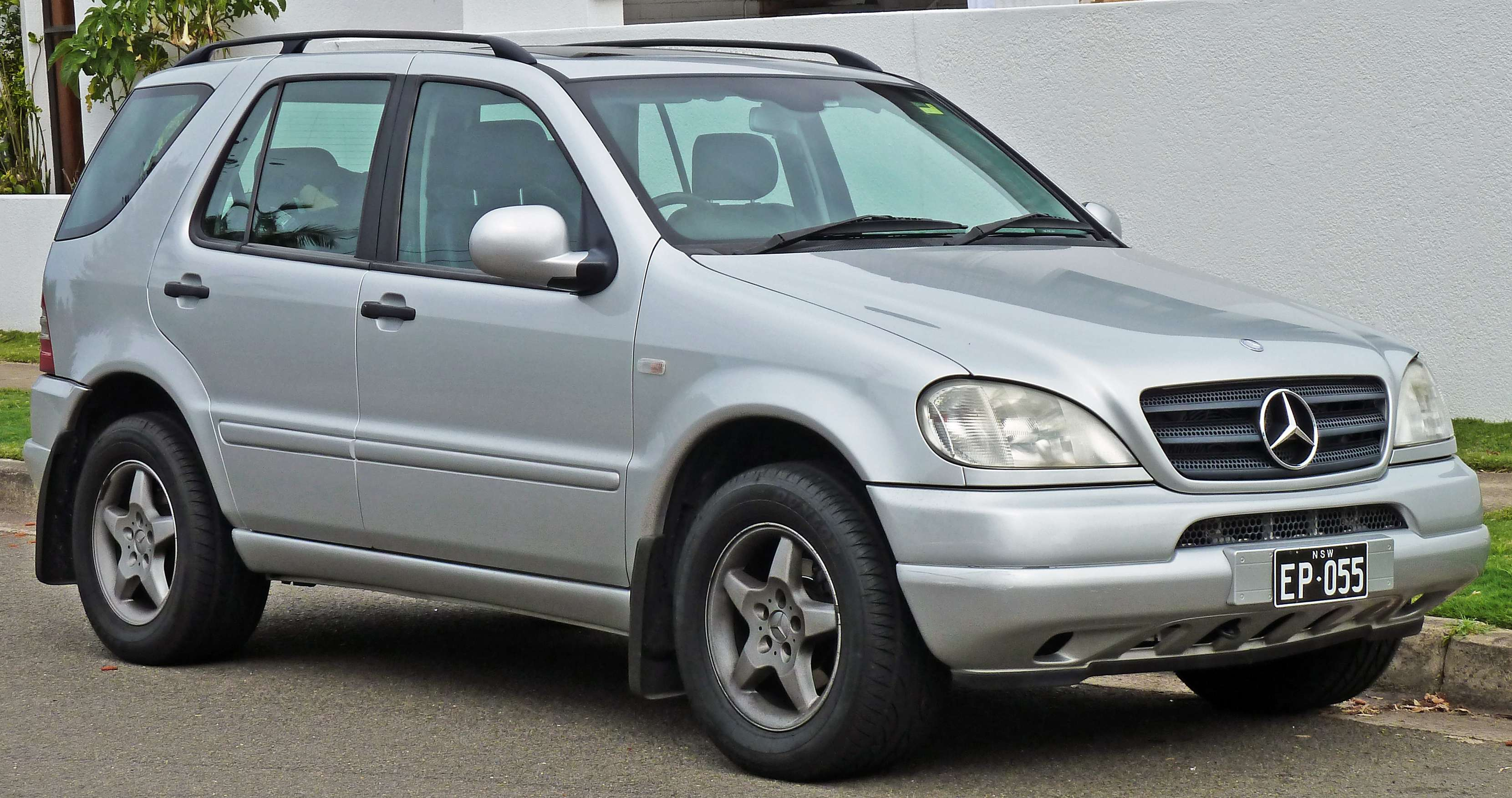 Mercedes-Benz ML 320 #7984195