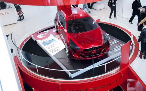 "Citroen exhibited ""a world of Creative Technology"" picture #4"