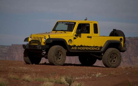 Jeep Wrangler Unlimited JK8: Convertible into truck