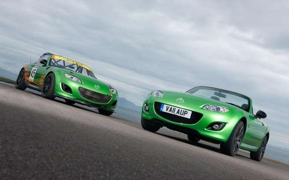 Mazda MX-5 and Mazda2 Black Edition: For British only
