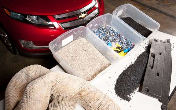 2012 Chevrolet Volt: It uses recycled components of oil from the Gulf of Mexico picture #1