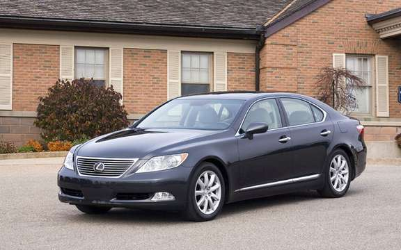 Lexus LS 460 2009 will be proposed with integral traction