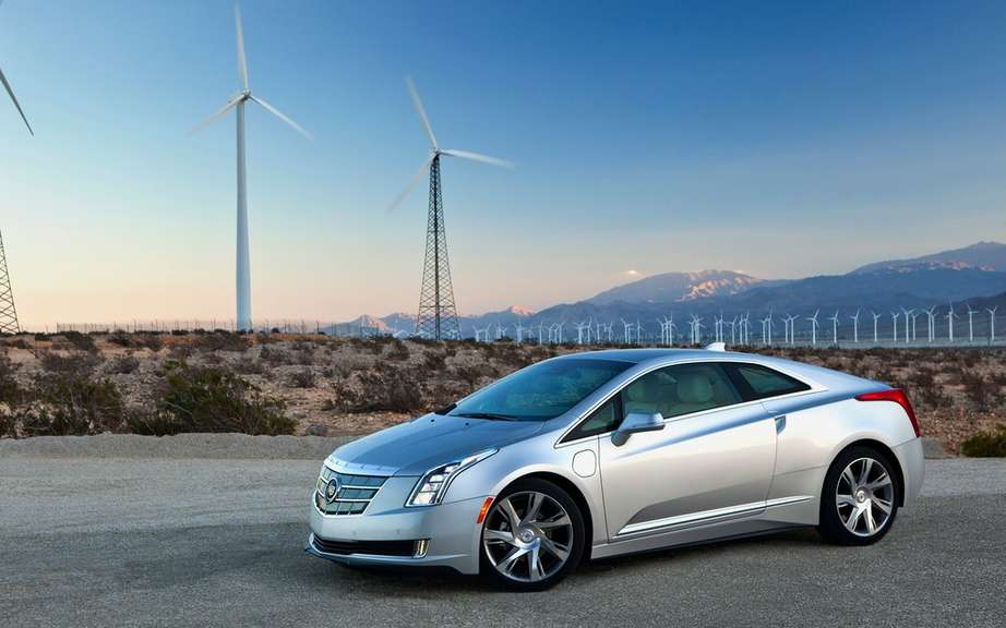 Cadillac ELR 2014 en route to dealers