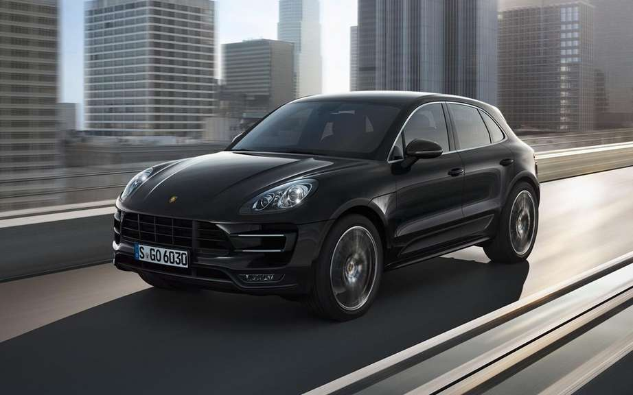 Porsche Macan has four-cylinder engines picture #1