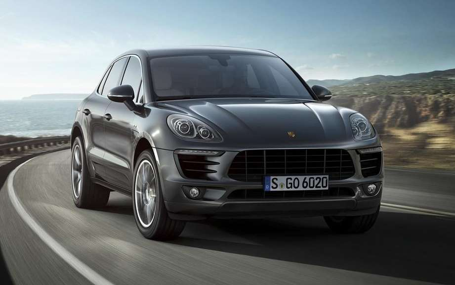 Porsche Macan has four-cylinder engines picture #5