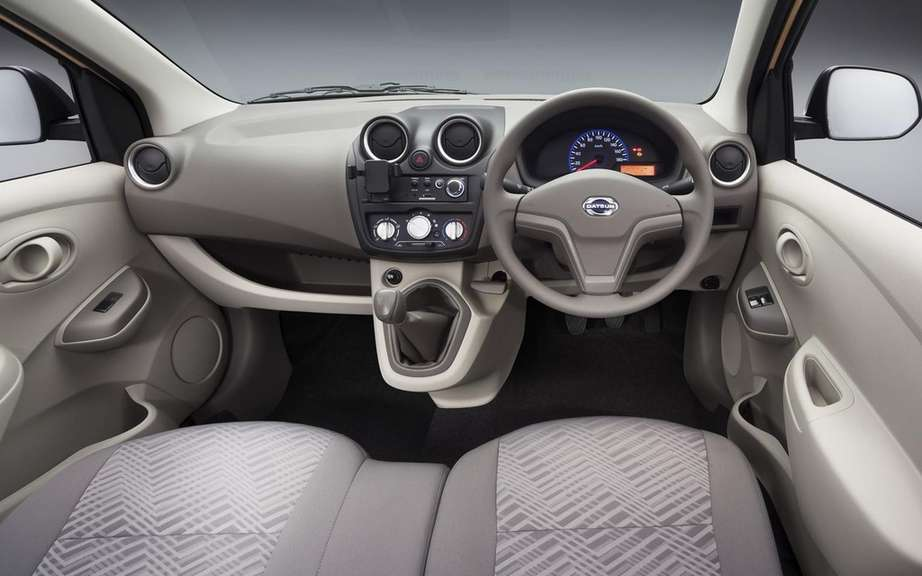 Datsun GO +: a compact entry-level multisegement picture #9