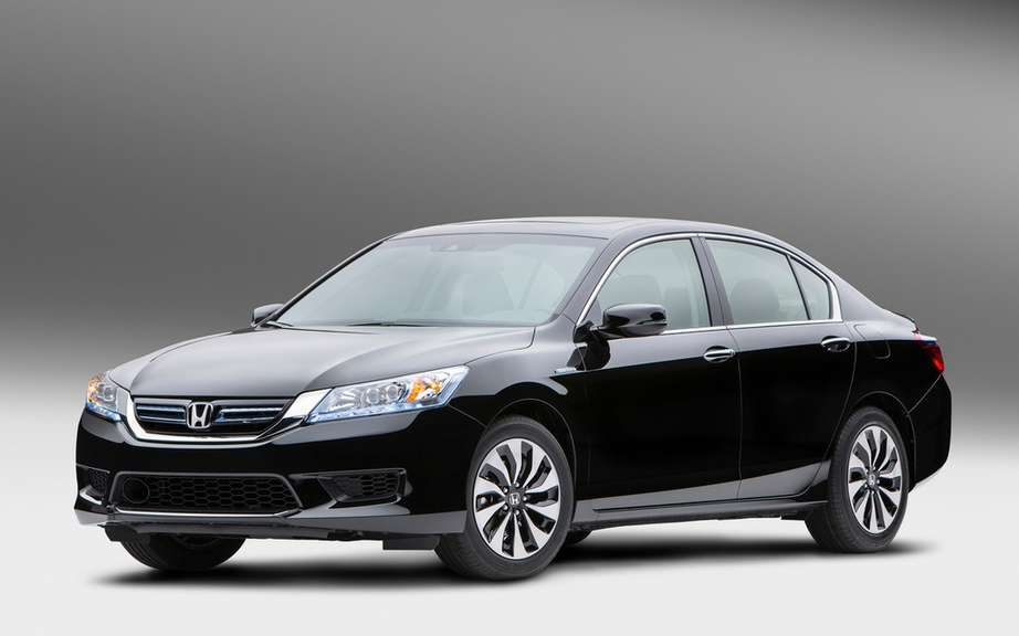 Honda presents its Accord sedan 2014 hybrid drive picture #7