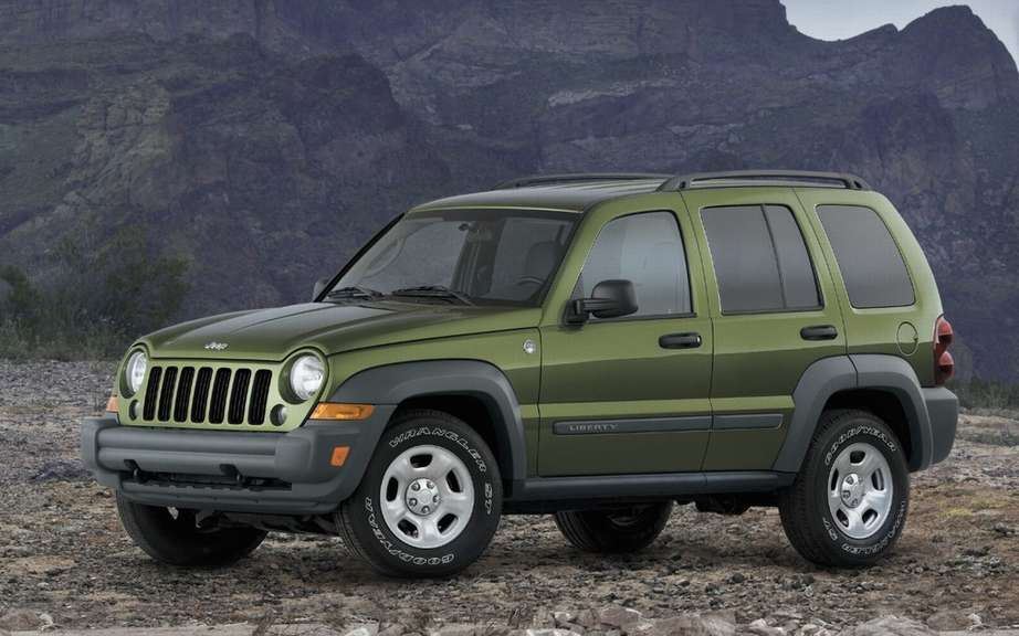 Chrysler refuses recall of Jeep vehicles Requested by NHTSA