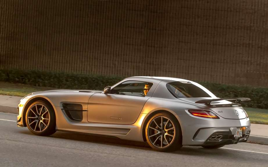 Mercedes-Benz SLS AMG Electric Drive: Champion Nurburgring picture #1