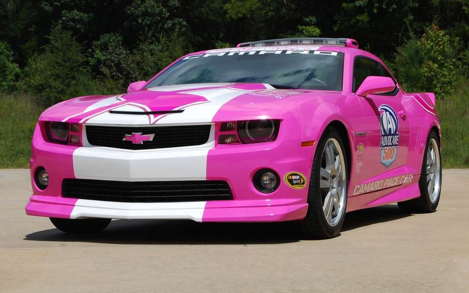 Chevrolet Racing revives the fight against cancer picture #2