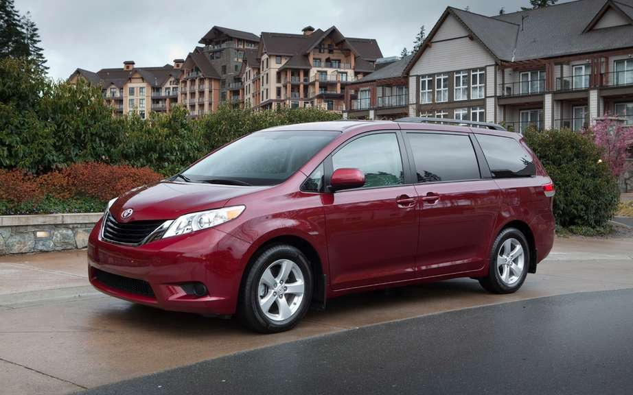 Toyota Sienna 2013: from $ 28,140 picture #1