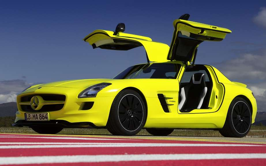 Mercedes-Benz SLS AMG E-Cell Roadster: after the cut?