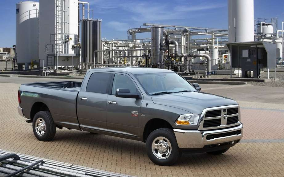 Chrysler Canada: Ram build the only origin in North America truck supplies compressed natural gas (CNG)