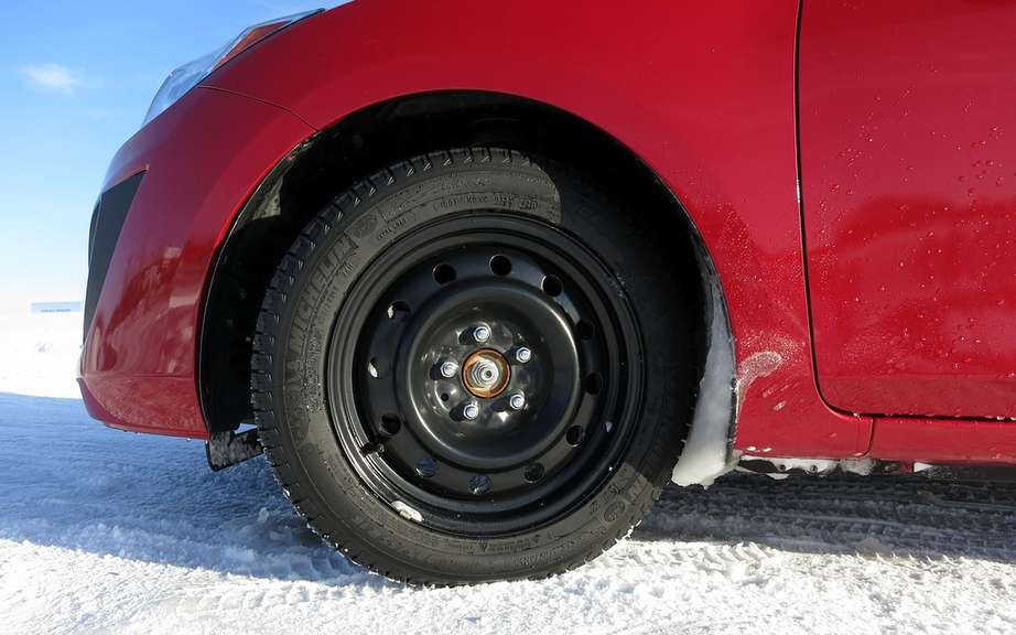 Michelin X-Ice Xi3, a new virtuoso for the winter, guaranteed more picture #16