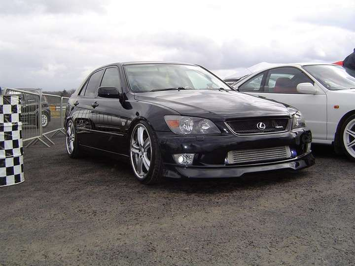 Lexus IS 200 #8358035